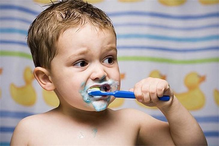 Cách dạy con đánh răng đơn giản cha mẹ nào cũng có thể làm được